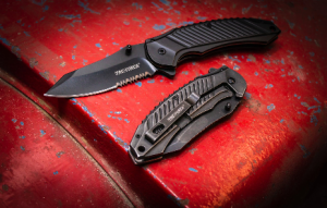 Top 5 Best Assisted Opening Knives Reviews 2021 & Buyer's Guide