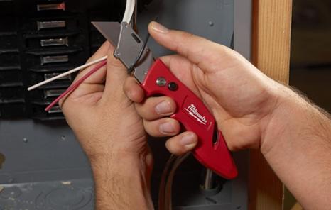 Best Pocket Knife for Electrician