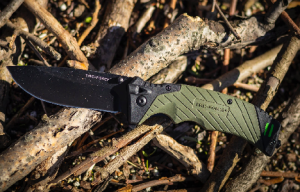 Top 6 Best EDC Knife Reviews 2022 & Buyer's Guide